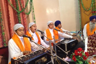 Live Kirtan With Wahe Guru Family